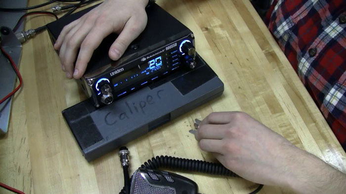 Do-Truckers-Still-Use-CB-Radios